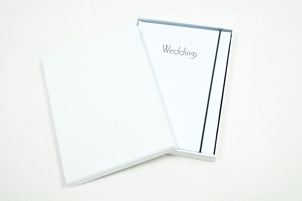 Box Size : 160 x 210 x 30 mm   Book Size : 146 x 197 mm   Material : PU & Paper