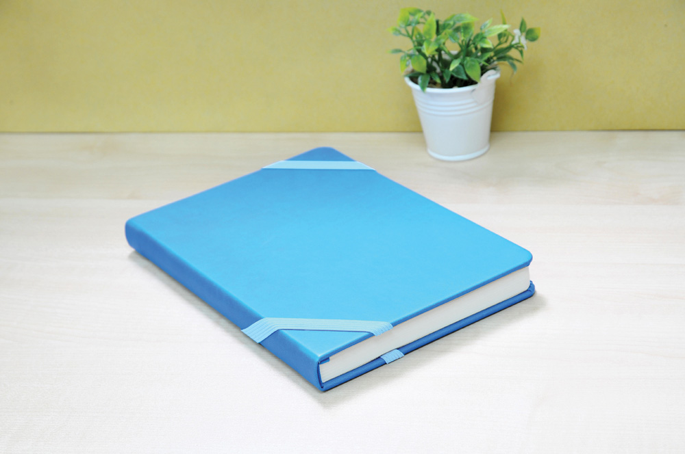 Book Size : A5 | Material : PU